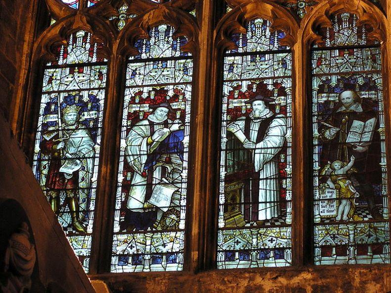 800px-RichardHakluyt-BristolCathedral-stainedglasswindow-whole
